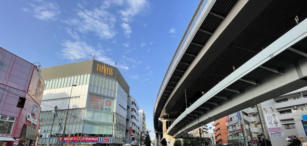 東京都世田谷区の写真01(東急電鉄世田谷線三軒茶屋駅前)